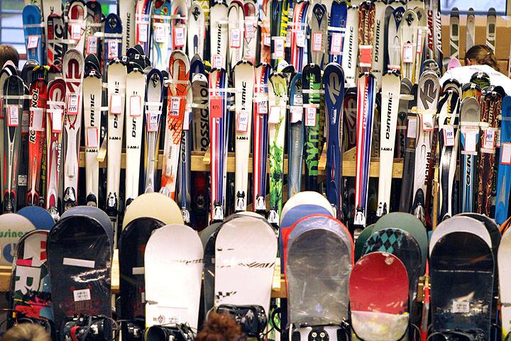 Canadian Ski Patrol Winter Sport Show Swap